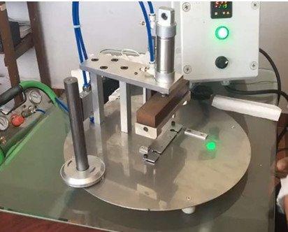 Máquina para hacer mascarillas. Rendimiento óptimo