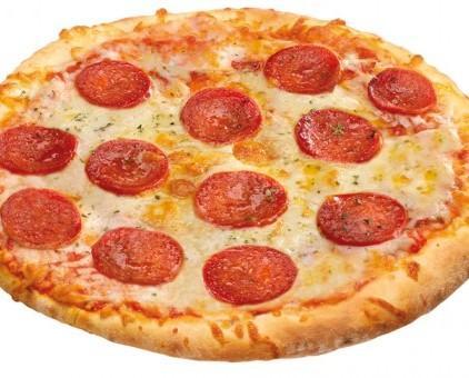 Pizza de salami. Descongelar, hornear y servir