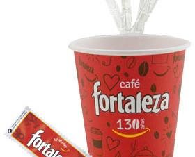 Complementos . 100 u. de azúcar, 100u de paletinas y 100u de vasos