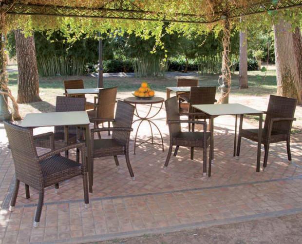 Terraza. Proveedores de sillas para hostelería