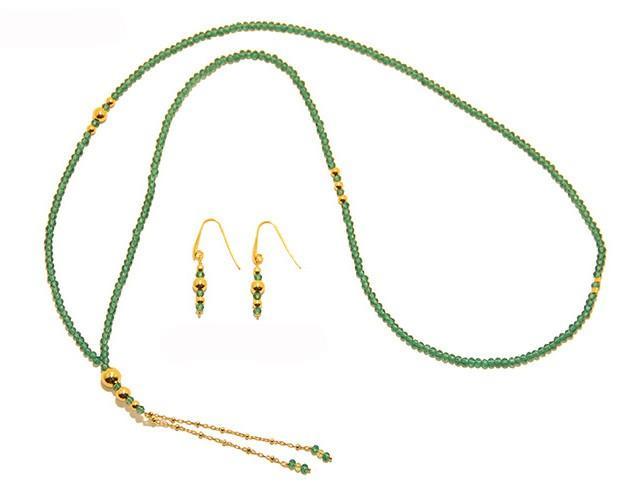 Conjunto de piedras semipreciosas. Collar largo y pendientes de cristales con complementos de plata 925 bañada en oro