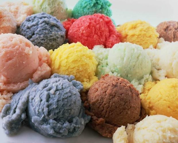 Variedad de helados. Bajos en grasas, sin aditivos artificiales y beneficiosos para la salud