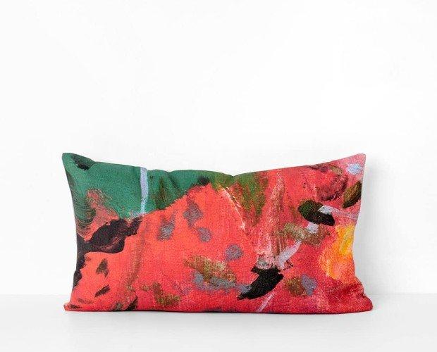 Cojines con diseños de artistas. Use agua fría siempre que pueda, para mantener el color intacto.