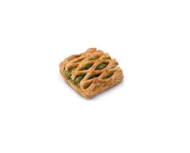 Malla Vegetal. Masa danesa elaborada con margarina, rellena de espinacas, queso fresco y un ligero toque a ajo