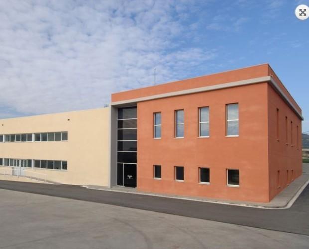edificación. construcción de centro