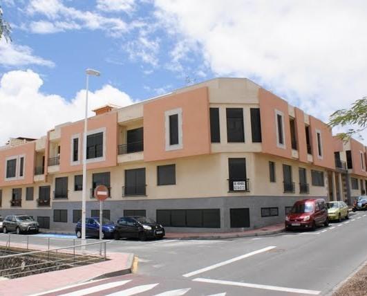 47 Viviendas. Edificio Betanzos con 47 Viviendas para Ateron Canarias
