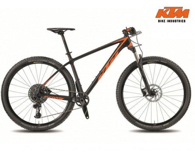 Bicicleta de MTB con cuadro de carbono. Transmisión Sram GX Eagle , llantas KTM Line CC 29'