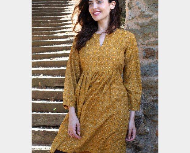 Vestido lila corto. Vestido de algodón con forro interior de Rayón