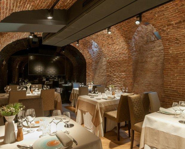 Sala para eventos. Sala destinada a reuniones, cenas, comidas o eventos de empresas. También eventos sociales.