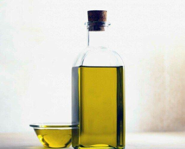 Aceite de oliva. Aceite de oliva de la mejor calidad del mercado