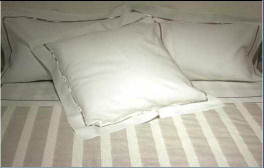 Colchas. 61% algodón - 39% poliéster, de 260 y 310 cm de ancho