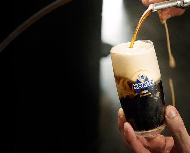 Cerveza negra. Delicioso sabor