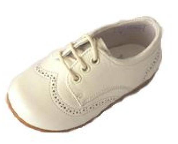 zapatos para niños. calzado infantil