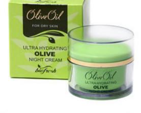 Crema hidratante de noche. Crema facial con aceite de oliva