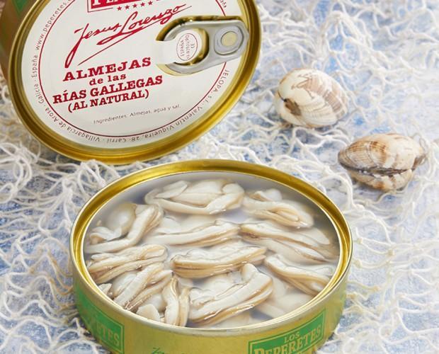 Almejas al natural. Conservas de marisco gourmet