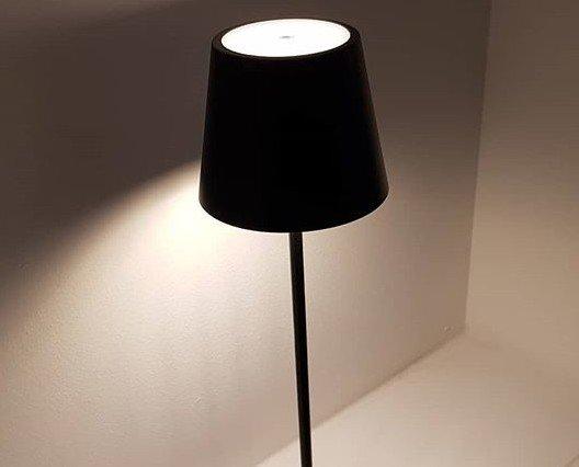 Lámparas de Pie.Gopi Led,37 cms. altura, sin cables en negro.