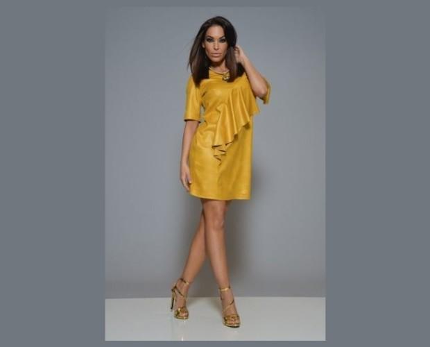 Vestido gerbera. Vestido original color mostaza de polipiel de ante.