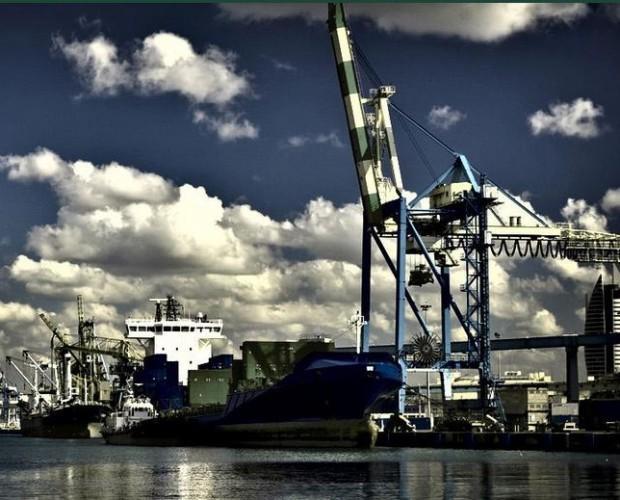 Transporte marítimo. Los mejores precios en transporte de mercancías
