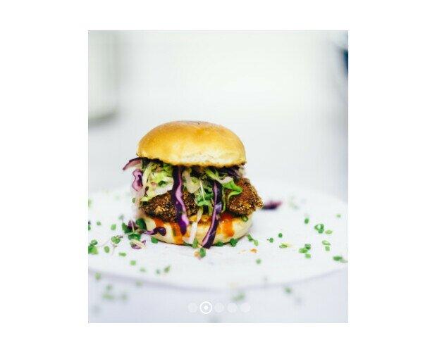 Haburguesa Especial. Utilizamos materias primas de origen gallego