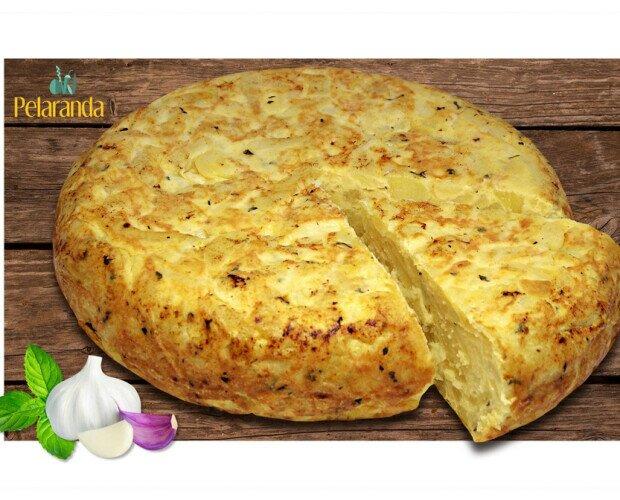 Tortilla Patatas Ajo y Hierbabuena. Sabor espectacular y exquisito aroma de la tortilla de patatas con ajo y hierbabuena.