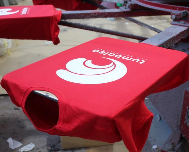 Camisetas estampadas. Estampación de camisetas en serigrafía textil