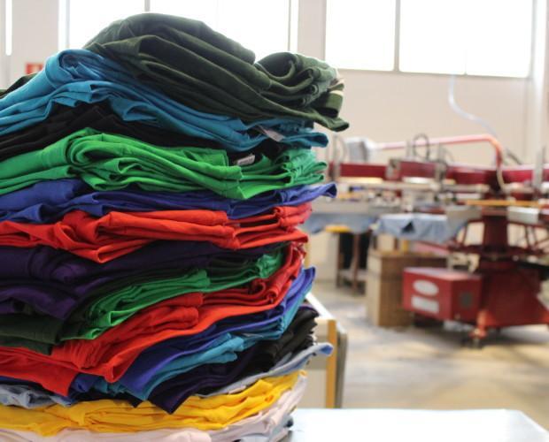Camisetas al mayor. Camisetas sin estampar al por mayor.