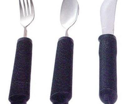Cuchillos con mango ergonómico. Apto para personas diestras y zurdas, con movilidad reducida en la muñeca