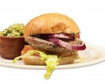 Hamburguesas. Hamburguesas temáticas adobadas con sabores tradicionales mexicanos como el chipotle, pibil o pastor