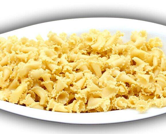 Lirios al huevo. Pasta al huevo elaborado con sémola de trigo.