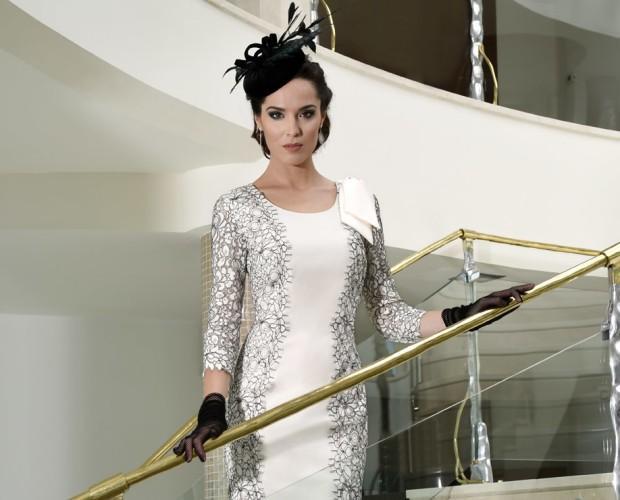 Vestido blanco y encaje. Hermoso vestido con detalle en hombro