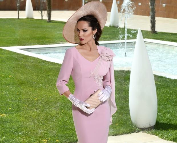 Vestido rosa. Diseño elegante y moderno