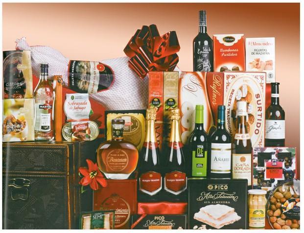 Productos. refrescos, vinos, licores, zumos, conservas, charcutería