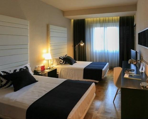 Hoteles.Nuestro hotel tiene habitaciones grandes y espaciosas
