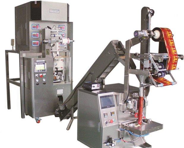 Máquina pirámite. Máquina para envasar tés, infusiones en pirámite y bolsa exteriol