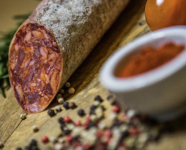 Chorizo. Elaborado con la mejor materia prima