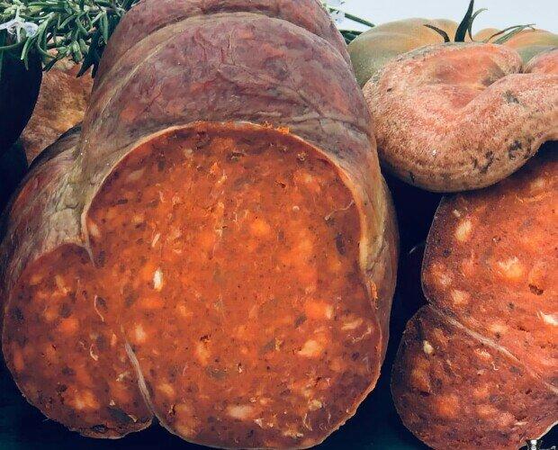 Sobrasada.Sobrasada elaborada con carnes nobles de cerdo duroc al 50%. 6 meses de curacón