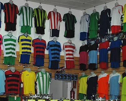 Equipamiento para Deportes de Equipo.Camisetas, pantalón deportivo