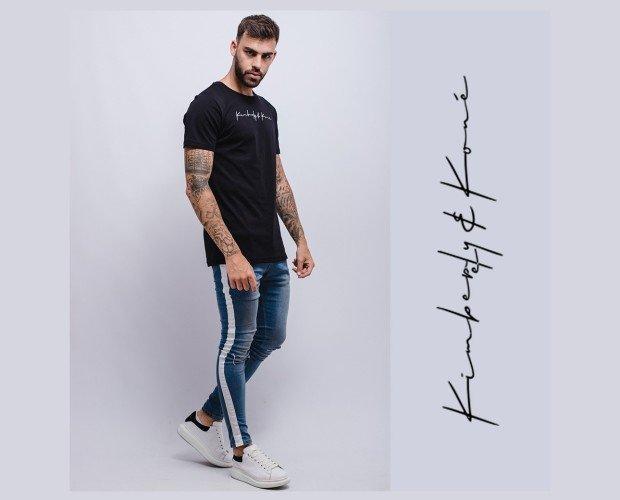 Camiseta de hombre. Con manga corta
