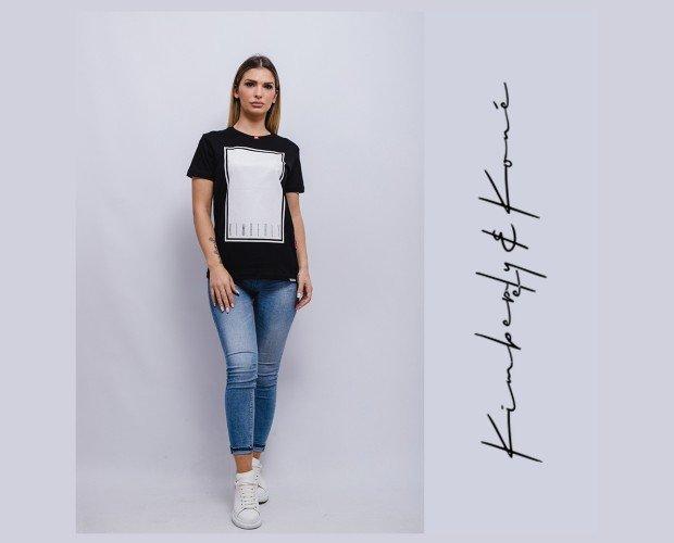 Camiseta básica de mujer. Seguimos las últimas tendencias