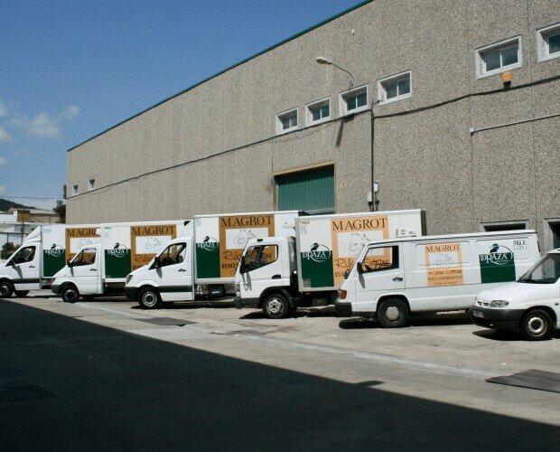 Flota frigorífica Magrott. Contamos con toda nuestra flota propia refrigerada de vehículos frigorificos