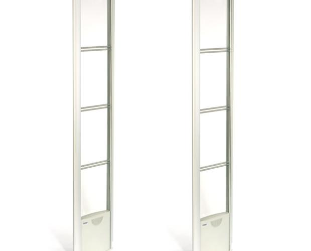 BS Fashion. Panel transparente de atractivo diseño y dimensiones reducidas