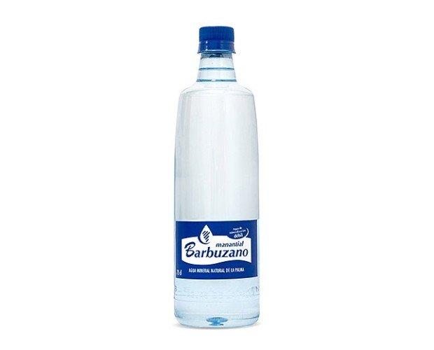 Barbuzano Premium 0,75 L. La elegancia y la pureza del Agua de Barbuzano en una botella especialmente diseñada para cuidar de tus clientes y tu negocio