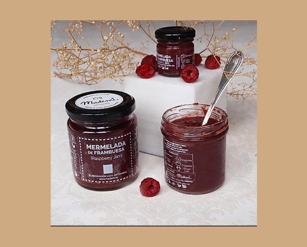 Mermelada de Frambuesa. Con un fuerte sabor ácido debido al alto contenido de fruta