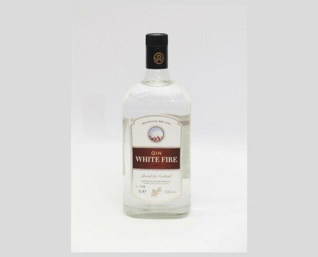 Gin White Fire. Con notas claras y nítidas a enebro y con fondo cítrico.