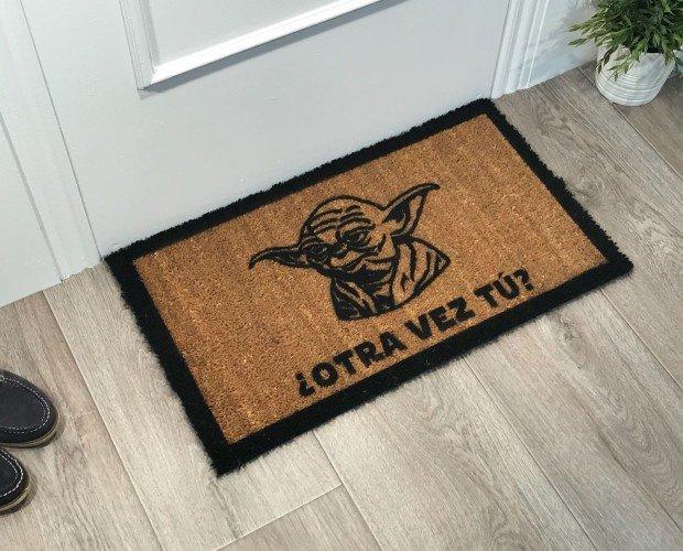 Otra Vez Tu Yoda. Pintado a Mano