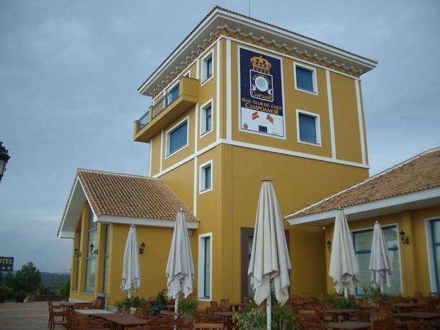 Limpieza y Restauración de Fachadas.Restauración de la fachada del Hotel Real Club de Golf Campoamor