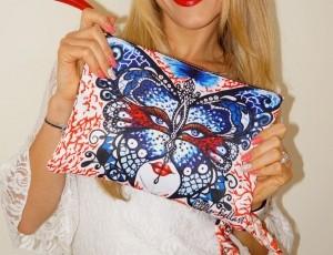 30% de descuento en el bolso de diseño coral y mariposa