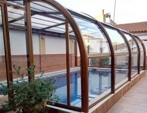 10% de descuento en cubiertas fijas para piscinas.